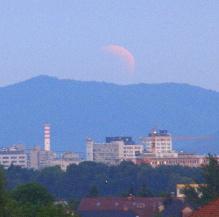 L.mrk15jun2011